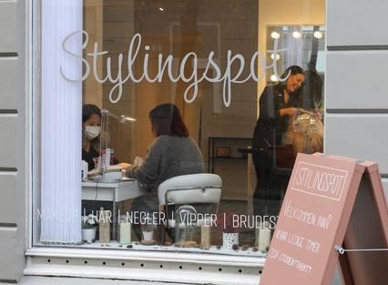 VELKOMMEN: Både forretninger og kunder blomstrer innenfor Stylingspots vinduer.